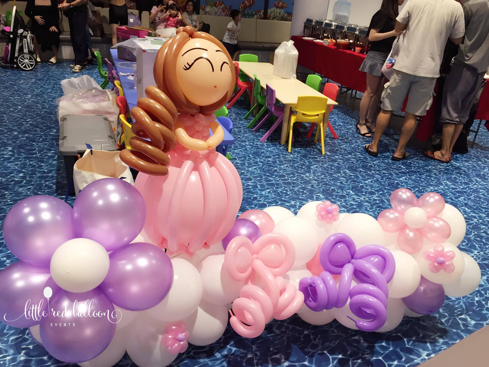 Little red balloon princess party decorations in for Balloon decoration for kids