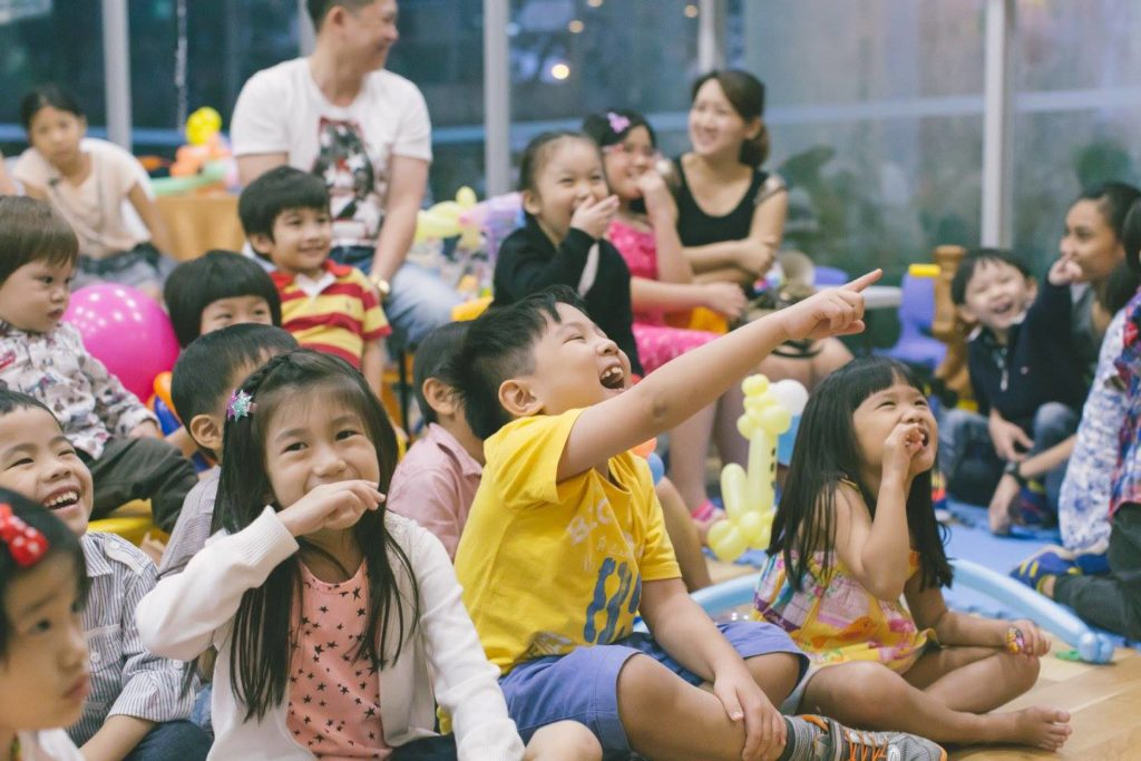 magician for kids party singapore