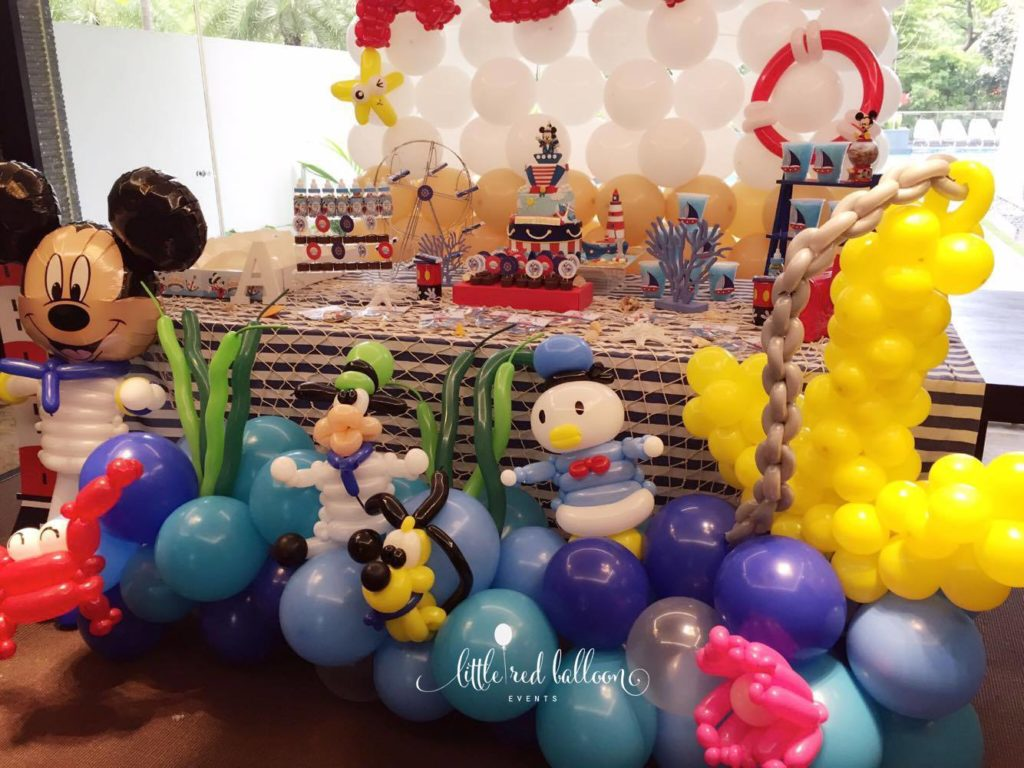 mickey-and-friends-balloon-decoration