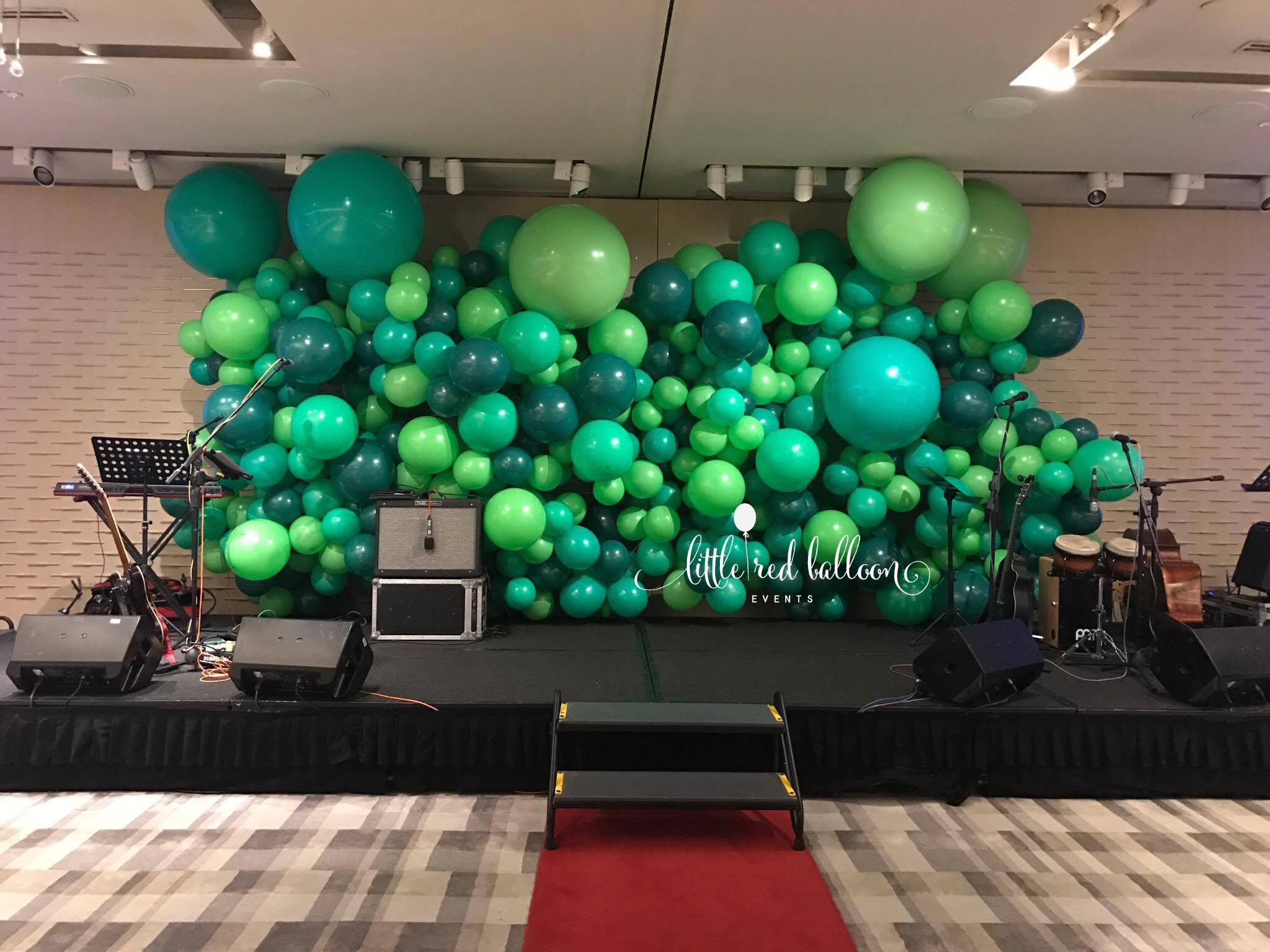 Balloon backdrops little red balloon singapore for Back ground decoration